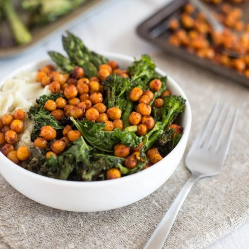 Harissa roasted chickpea bowls 4 1000x650